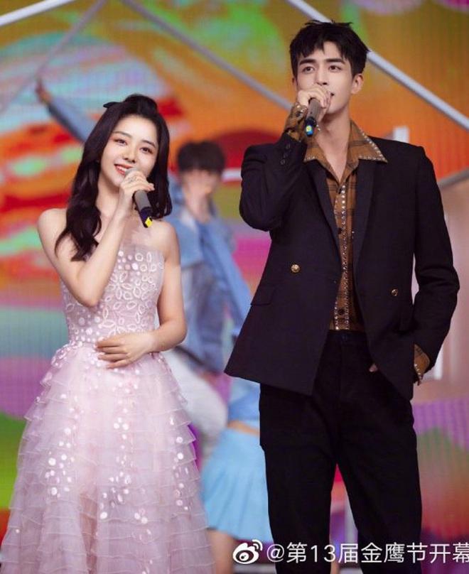 Tống Uy Long: Tân binh thường xuyên bị bắt gặp hôn gái xinh trên phố, cứ đóng phim cổ trang là xịt banh chành - ảnh 14
