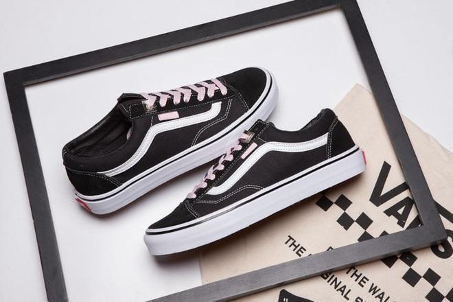 Từ chân của những gã skater đường phố cho đến kệ giày của BLACKPINK, tại sao tất cả lại điên đảo với Vans Old Skool? - ảnh 21