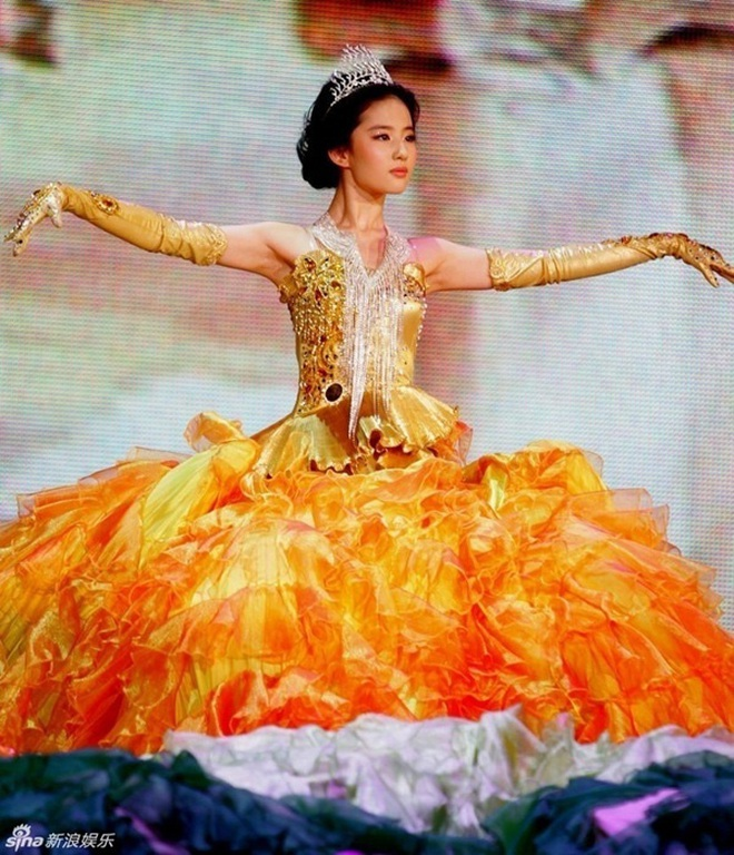 Từ visual tới khí chất đều xẹp lép so với 7 mỹ nhân tiền nhiệm, Tống Thiến chính là Nữ thần Kim Ưng bay màu nhanh nhất - ảnh 7
