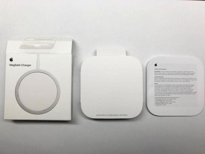 Combo hút máu với sạc MagSafe và ốp silicone mới cho iPhone 12 của Apple bị cư dân mạng chê tới, chê tấp - ảnh 10