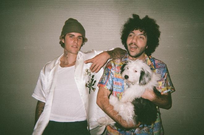 Justin Bieber hết bị đuổi khỏi nhà giờ lại cô đơn thảm thiết: Album mới phải chăng mang màu sắc u tối? - ảnh 2
