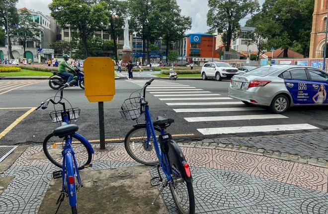 Trải nghiệm xe đạp công cộng cho thuê 10.000 đồng/giờ lần đầu lăn bánh trên đường phố Sài Gòn - ảnh 4