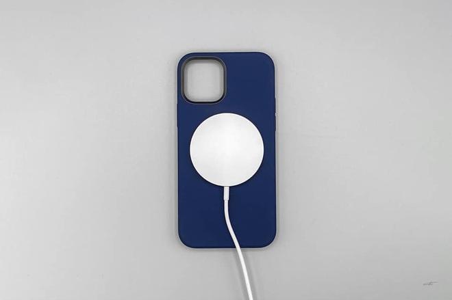 Combo hút máu với sạc MagSafe và ốp silicone mới cho iPhone 12 của Apple bị cư dân mạng chê tới, chê tấp - ảnh 5