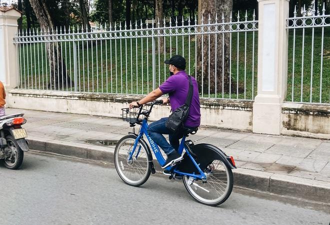 Trải nghiệm xe đạp công cộng cho thuê 10.000 đồng/giờ lần đầu lăn bánh trên đường phố Sài Gòn - ảnh 10