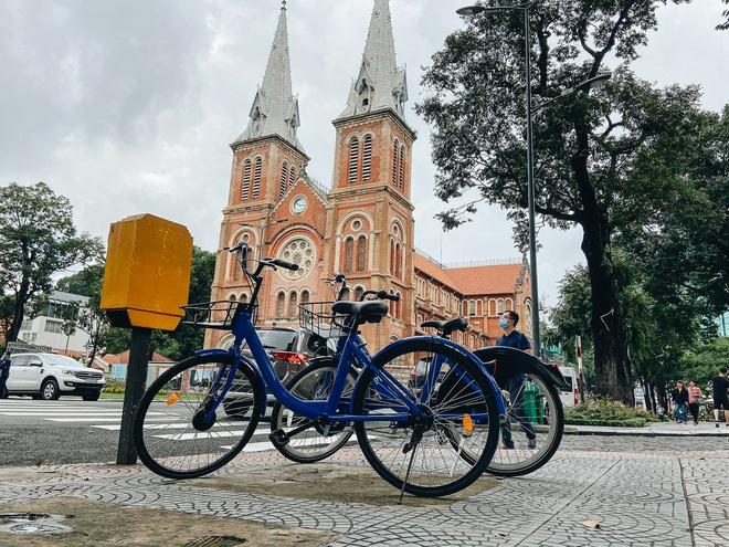 Trải nghiệm xe đạp công cộng cho thuê 10.000 đồng/giờ lần đầu lăn bánh trên đường phố Sài Gòn - ảnh 1