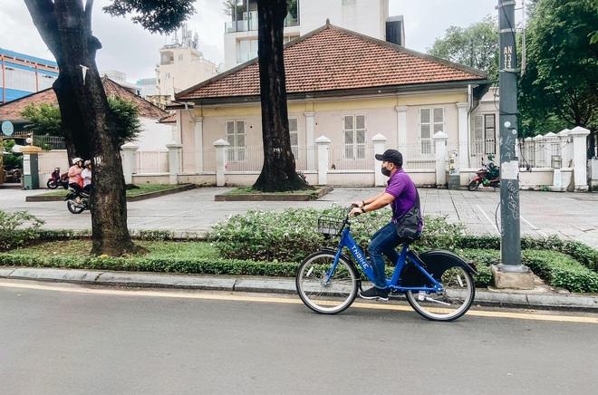 Trải nghiệm xe đạp công cộng cho thuê 10.000 đồng/giờ lần đầu lăn bánh trên đường phố Sài Gòn - ảnh 9