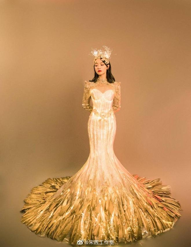 Từ visual tới khí chất đều xẹp lép so với 7 mỹ nhân tiền nhiệm, Tống Thiến chính là Nữ thần Kim Ưng bay màu nhanh nhất - ảnh 1