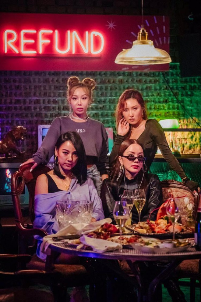 Knet nghi ngờ Taylor Swift đi lạc trong MV mới của tân binh chị đại Kpop: Rắn chúa đến từ đảo Jeju hay gì? - ảnh 4