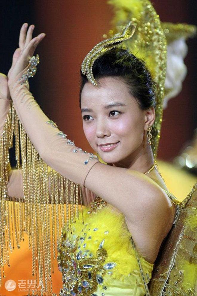 Từ visual tới khí chất đều xẹp lép so với 7 mỹ nhân tiền nhiệm, Tống Thiến chính là Nữ thần Kim Ưng bay màu nhanh nhất - ảnh 11
