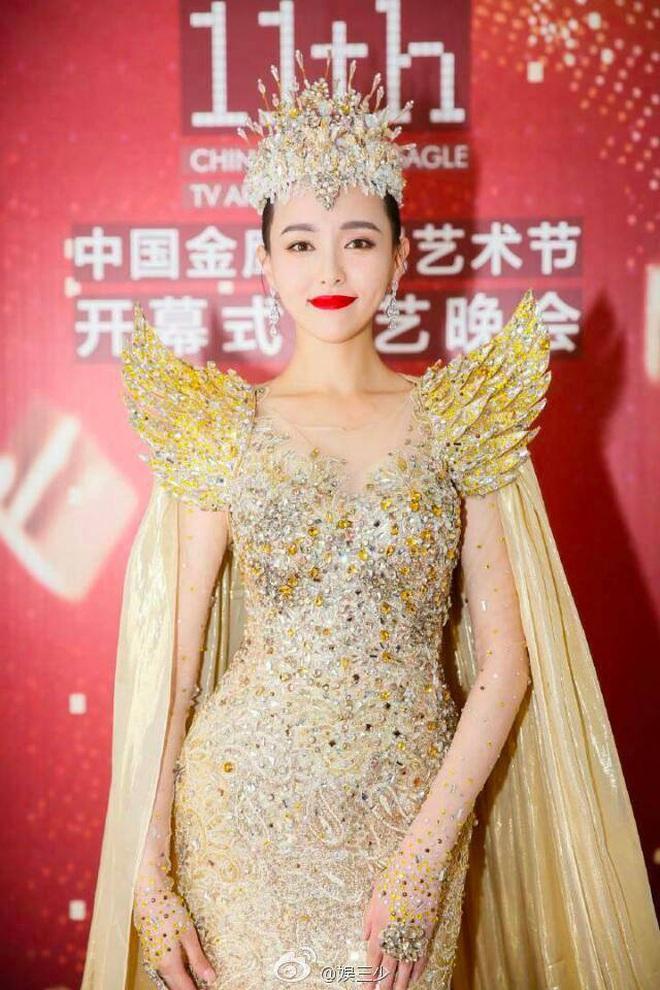 Từ visual tới khí chất đều xẹp lép so với 7 mỹ nhân tiền nhiệm, Tống Thiến chính là Nữ thần Kim Ưng bay màu nhanh nhất - ảnh 18