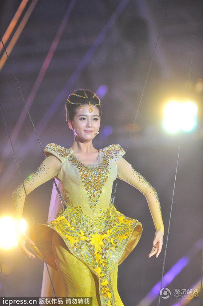 Từ visual tới khí chất đều xẹp lép so với 7 mỹ nhân tiền nhiệm, Tống Thiến chính là Nữ thần Kim Ưng bay màu nhanh nhất - ảnh 14