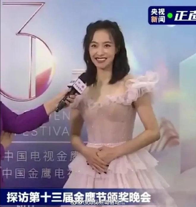 Bóc trần nhan sắc dàn sao Kim Ưng khi không có PTS: Victoria gây thất vọng, Lưu Đào chấp đàn em với visual đỉnh cao - ảnh 2