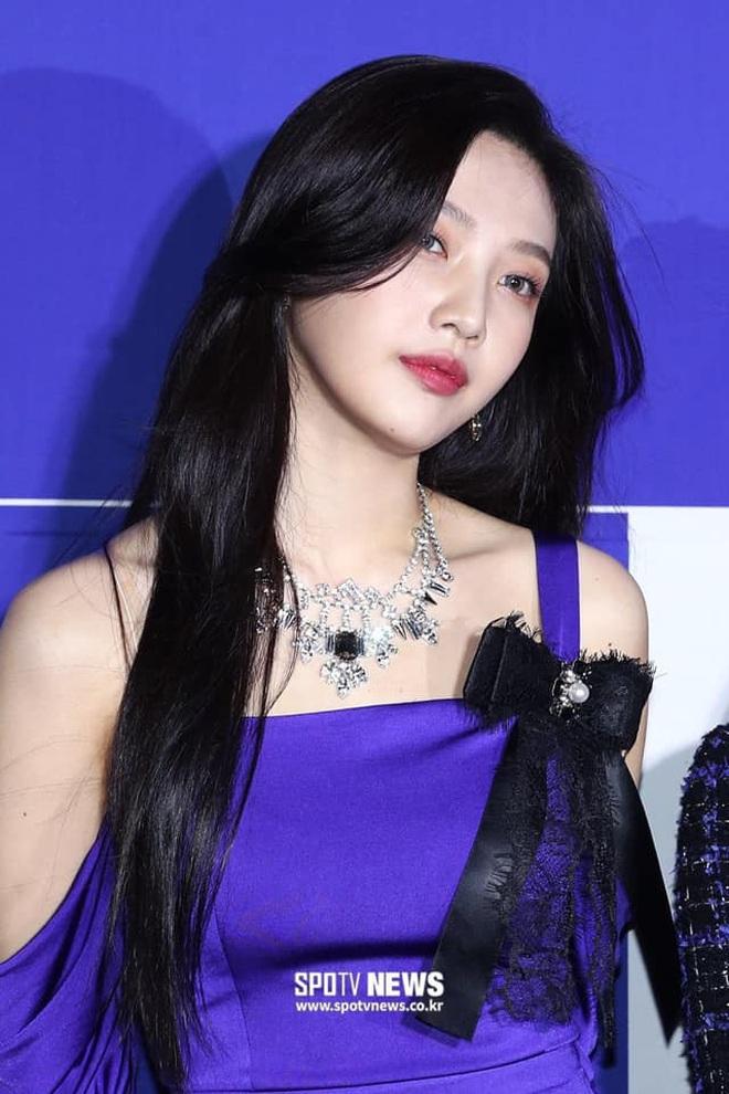 Vẫn vướng nghiệp mặc xấu, Red Velvet khiến fan kêu trời: Đây là thảm họa thời trang từ 10 năm trước bớ làng nước ơi! - ảnh 5