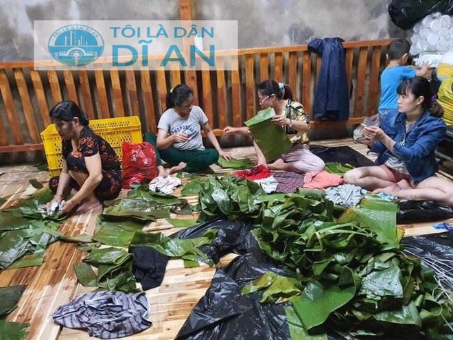 Người dân nhiều tỉnh thành chung tay gói hàng ngàn chiếc bánh chưng, bánh tét cứu trợ khúc ruột miền Trung - ảnh 25
