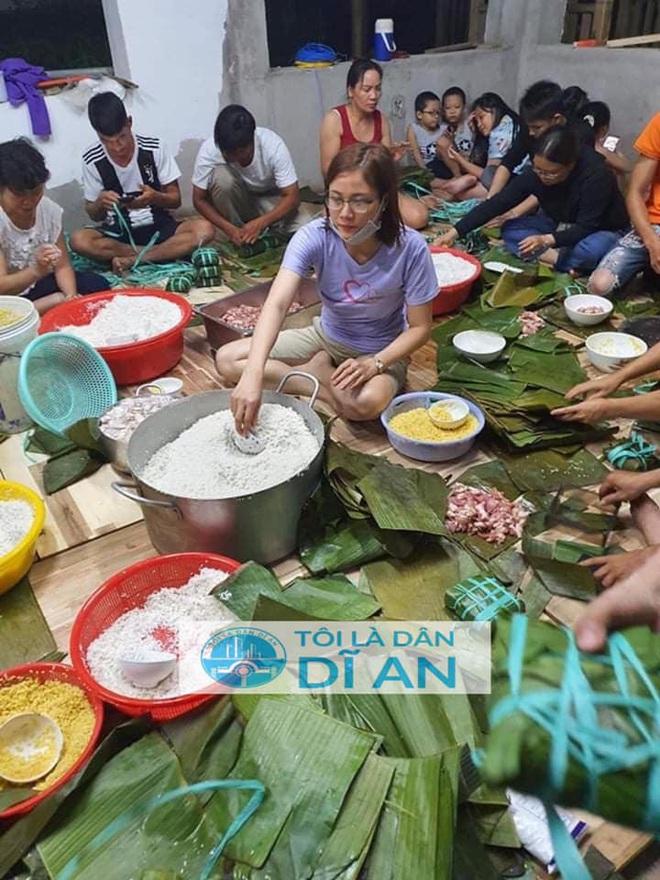 Người dân nhiều tỉnh thành chung tay gói hàng ngàn chiếc bánh chưng, bánh tét cứu trợ khúc ruột miền Trung - ảnh 26