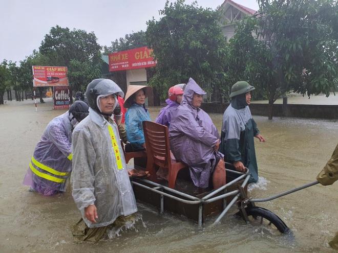 Ứng dụng công nghệ hỗ trợ cứu hộ miền Trung: 2.500 tình nguyện viên khắp Việt Nam và thế giới tham gia dự án - ảnh 8