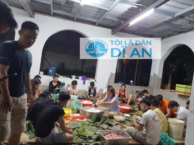 Người dân nhiều tỉnh thành chung tay gói hàng ngàn chiếc bánh chưng, bánh tét cứu trợ khúc ruột miền Trung - ảnh 27