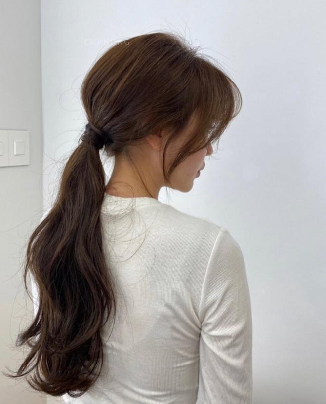 20⁄10 mặc xinh thôi chưa đủ, các nàng diện thêm những kiểu tóc này thì visual còn ngất ngây hơn nhiều - Ảnh 3.