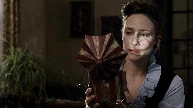 8 phim kinh dị là nỗi ám ảnh của các đoàn phim Hollywood: Rợn gáy nhất là chuỗi thảm kịch kinh hoàng đeo bám Đứa Con Của Satan - ảnh 17