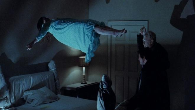 8 phim kinh dị là nỗi ám ảnh của các đoàn phim Hollywood: Rợn gáy nhất là chuỗi thảm kịch kinh hoàng đeo bám Đứa Con Của Satan - ảnh 23