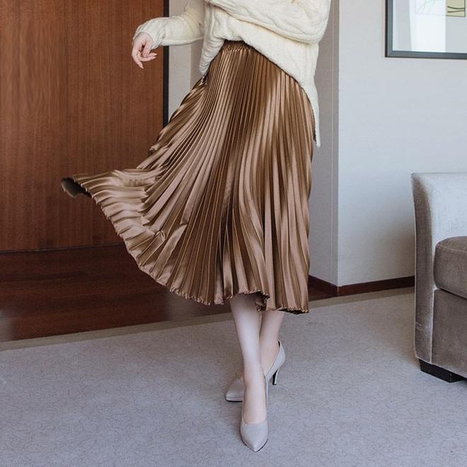 Đến cả đôi chân cột đình cũng thon gọn nhẹ nhàng nhờ 5 kiểu chân váy độc quyền cho ngày lạnh - ảnh 11