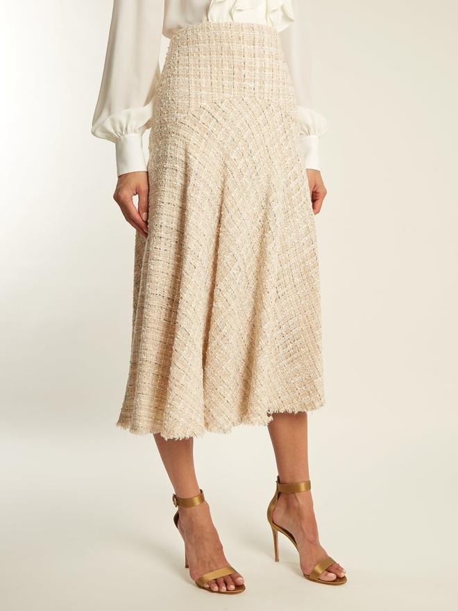Đến cả đôi chân cột đình cũng thon gọn nhẹ nhàng nhờ 5 kiểu chân váy độc quyền cho ngày lạnh - ảnh 18