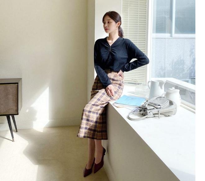 Đến cả đôi chân cột đình cũng thon gọn nhẹ nhàng nhờ 5 kiểu chân váy độc quyền cho ngày lạnh - ảnh 6
