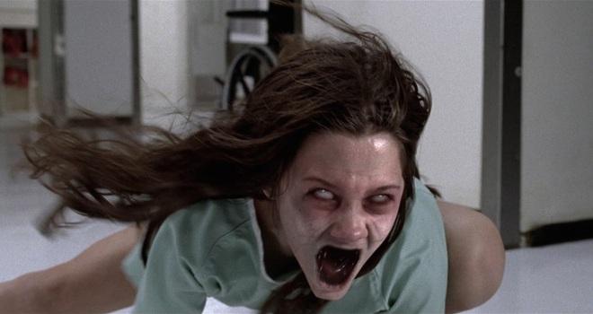 8 phim kinh dị là nỗi ám ảnh của các đoàn phim Hollywood: Rợn gáy nhất là chuỗi thảm kịch kinh hoàng đeo bám Đứa Con Của Satan - ảnh 4
