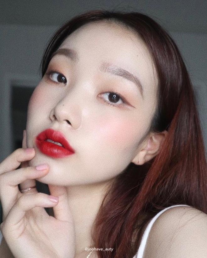 20⁄10 phải xinh: 4 kiểu makeup đơn giản nhưng nâng hạng nhan sắc cực đỉnh, các nàng triển ngay để dân tình trầm trồ nào - Ảnh 3.