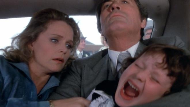 8 phim kinh dị là nỗi ám ảnh của các đoàn phim Hollywood: Rợn gáy nhất là chuỗi thảm kịch kinh hoàng đeo bám Đứa Con Của Satan - ảnh 28