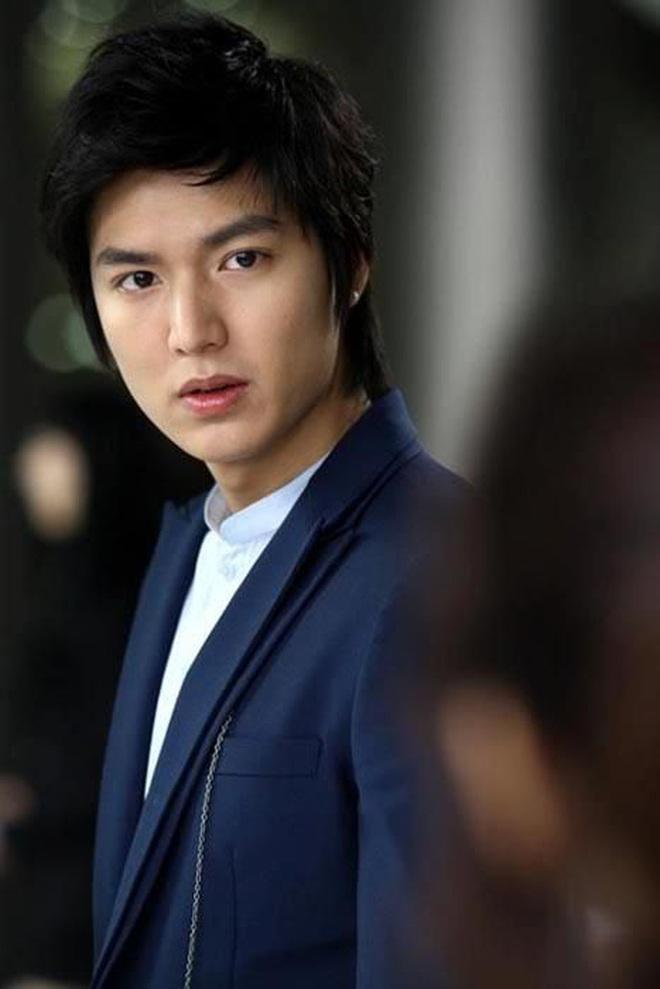 Chán làm con nhà giàu, Lee Min Ho biến hình thành trai nghèo, ơn trời sau 34 năm cuộc đời anh cũng chịu đổi màu rồi! - ảnh 9