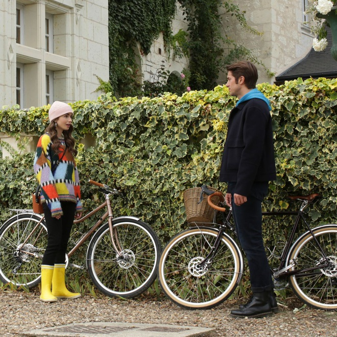 Hời hợt một cách thông minh như Emily In Paris để trai theo ầm ầm, đời dễ như ăn kẹo - ảnh 10