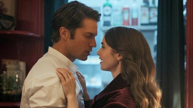 Hời hợt một cách thông minh như Emily In Paris để trai theo ầm ầm, đời dễ như ăn kẹo - ảnh 9