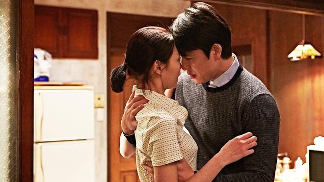 6 phim Hàn ngập cảnh nóng: Không thể thiếu mối tình hầu gái của mỹ nhân giật chồng ồn ào nhất Kbiz - ảnh 18