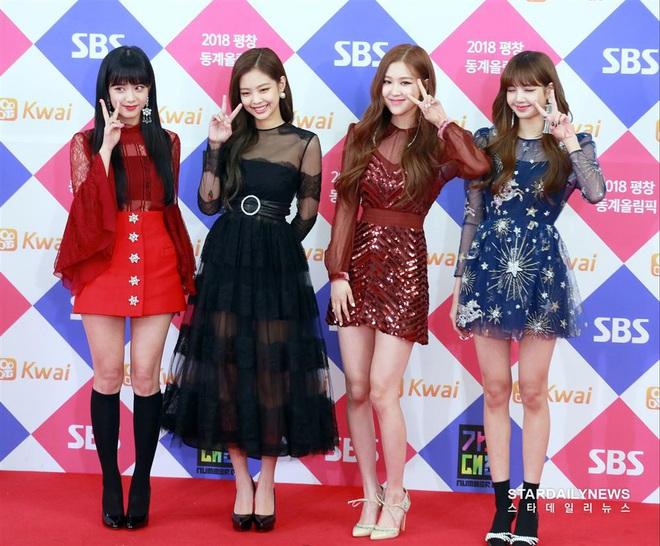 Đôi bạn mỹ nhân thị phi nhất Kpop: Irene dính liên hoàn phốt, Jennie (BLACKPINK) 5 lần 7 lượt gặp biến chấn động - ảnh 16