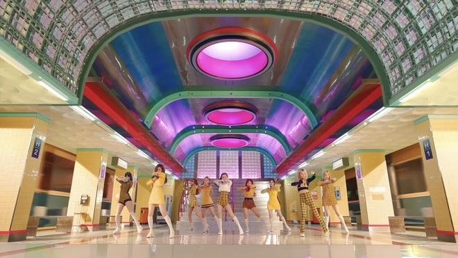 TWICE đi đường quyền trong teaser mới nhất, một lần nữa trổ tài thánh spoil khiến fan trở tay không kịp! - ảnh 7