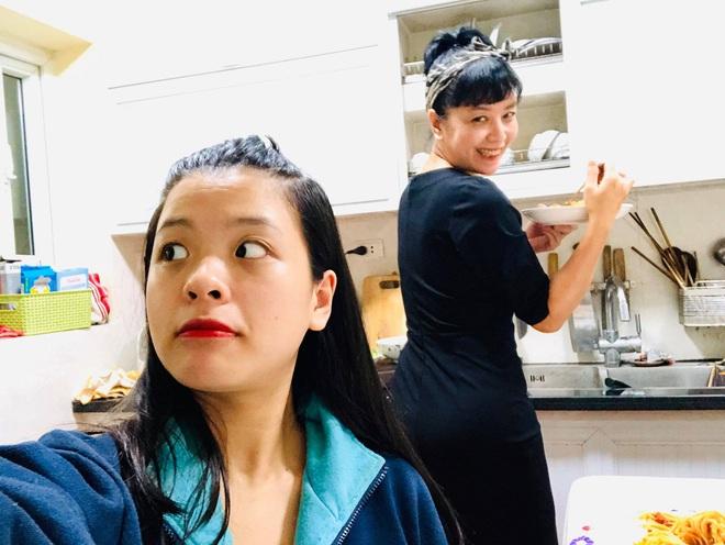 Hồng Khanh cực khác khi làm con gái của mẹ Chiều Xuân và ảnh trên Instagram, bạn đã xem chưa? - ảnh 8