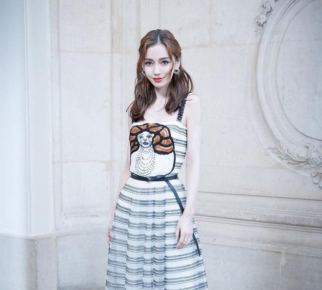 Mix & Phối - Nhìn những lần ăn mặc 'phèn chúa', trang điểm sai trái tự 'phá giá' thế này, ai dám nghĩ đây là tân tứ đại mỹ nhân Cbiz? - chanvaydep.net 9