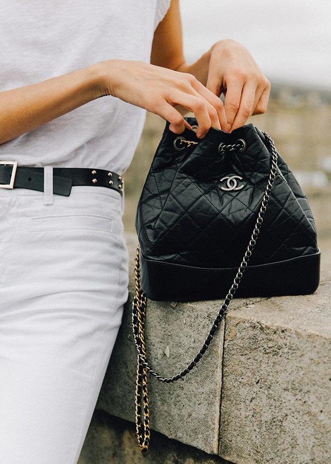 Trước khi bị bóc phốt, Irene từng được khen hết lời khi mua hẳn túi Chanel trăm triệu tặng stylist - ảnh 4