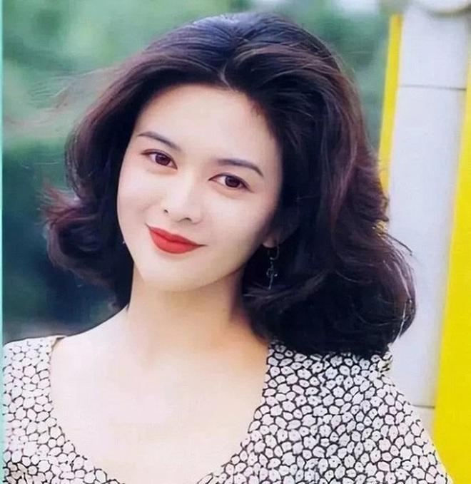 Mỹ nhân TVB hồi xưa mới đúng là các trendsetter: Tóc tai đến giờ vẫn hợp mốt và được chị em học hỏi nhiệt tình - ảnh 13