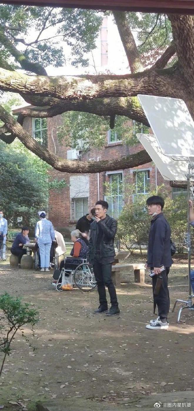 Giang Sơ Ảnh bê nguyên thần thái chị đại 30 Chưa Phải Là Hết vào phim mới, netizen vừa thấy đã mê hết nấc - ảnh 9
