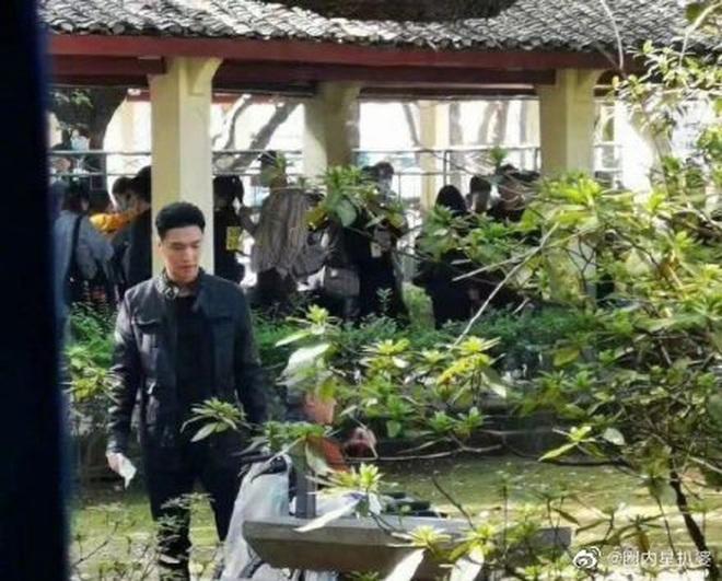 Giang Sơ Ảnh bê nguyên thần thái chị đại 30 Chưa Phải Là Hết vào phim mới, netizen vừa thấy đã mê hết nấc - ảnh 12