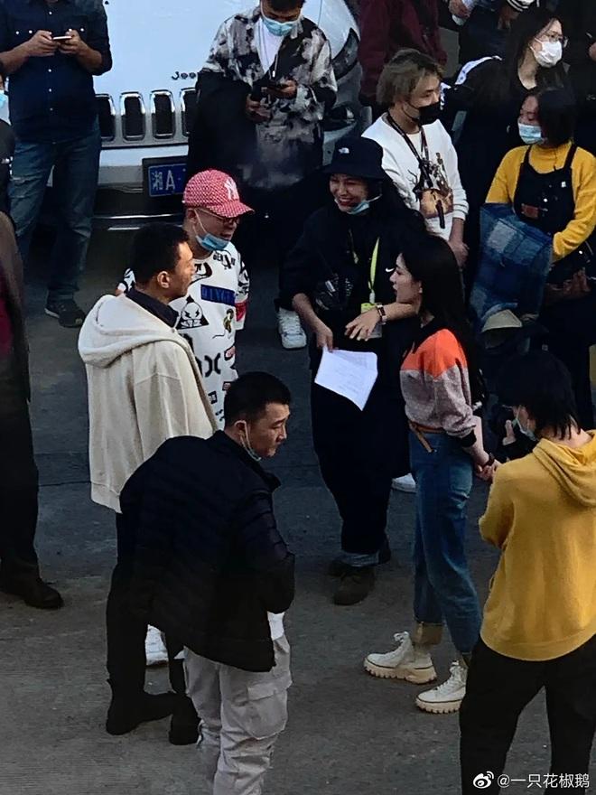 Giang Sơ Ảnh bê nguyên thần thái chị đại 30 Chưa Phải Là Hết vào phim mới, netizen vừa thấy đã mê hết nấc - ảnh 3