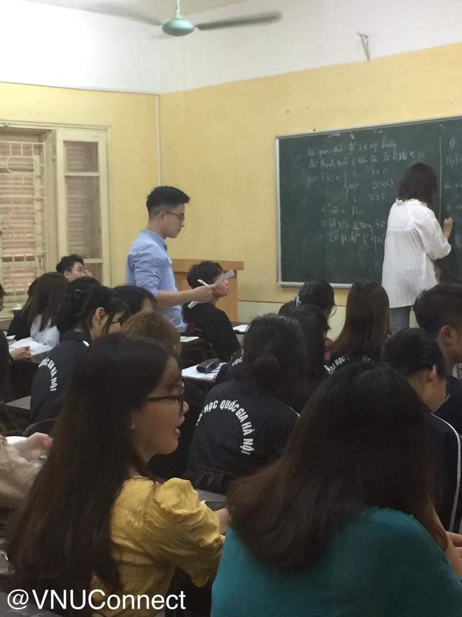 Thầy giáo soái ca bị sinh viên tung loạt ảnh chụp lén đẹp muốn xỉu lên mạng - ảnh 3