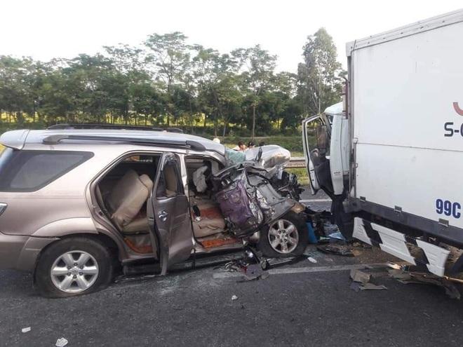 Bắc Ninh: Ô tô lao qua dải phân cách gây tai nạn liên hoàn, 3 người thương vong, ùn tắc hàng chục km - ảnh 2