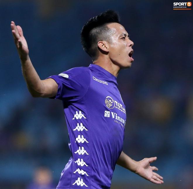 Quang Hải đòi trọng tài rút thẻ phạt cho bạn cũ ở U23 Việt Nam sau pha phạm lỗi nguy hiểm - ảnh 8