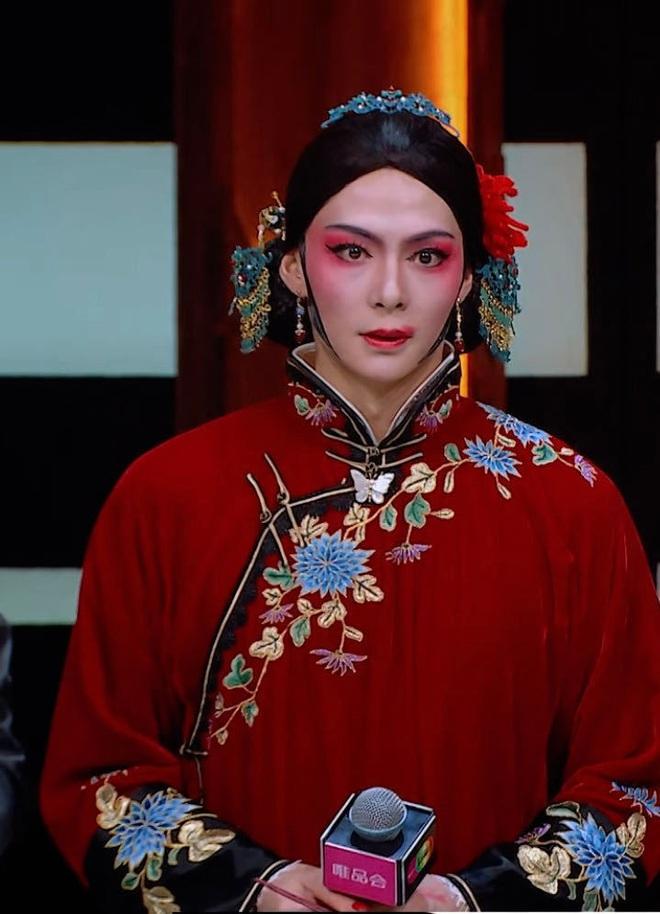 Tình địch Trần Tinh Húc phá nát Bên Tóc Mai Không Phải Hải Đường Hồng của Vu Chính với màn cosplay dở banh nóc - ảnh 8