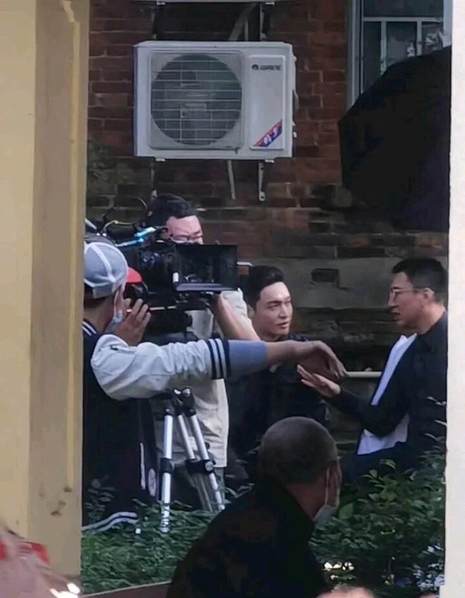Giang Sơ Ảnh bê nguyên thần thái chị đại 30 Chưa Phải Là Hết vào phim mới, netizen vừa thấy đã mê hết nấc - ảnh 14