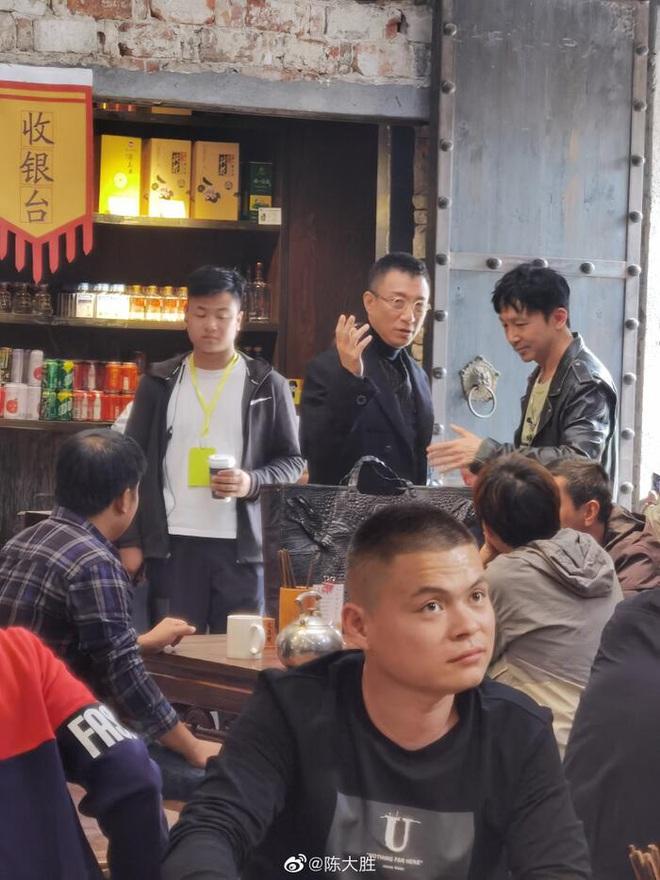 Giang Sơ Ảnh bê nguyên thần thái chị đại 30 Chưa Phải Là Hết vào phim mới, netizen vừa thấy đã mê hết nấc - ảnh 1