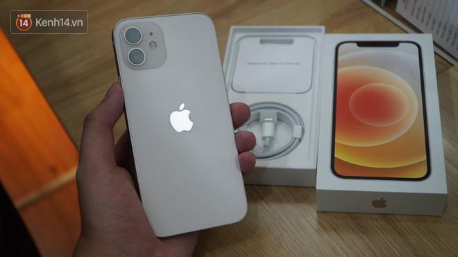 Trên tay iPhone 12 và iPhone 12 Pro tại Việt Nam - ảnh 7